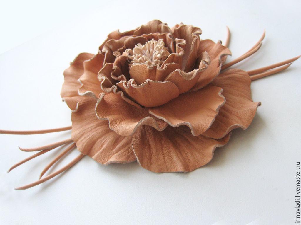 Цветы и украшения из кожи