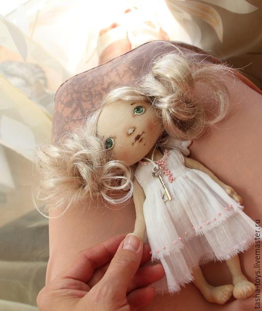 Коллекционные куклы ручной работы. Ярмарка Мастеров - ручная работа. Купить Ангел с ключиком.. Handmade. Розовый, пастельные тона, подарок