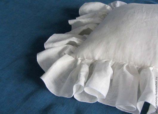 """Текстиль, ковры ручной работы. Ярмарка Мастеров - ручная работа. Купить Декоративные подушки. Льняная подушка """"Рюша"""" для спальни.. Handmade."""
