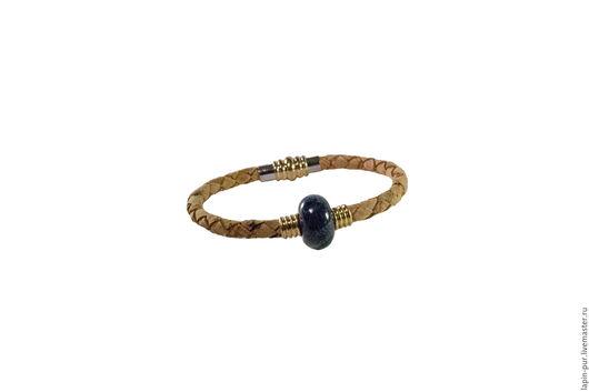 Браслеты ручной работы. Ярмарка Мастеров - ручная работа. Купить Пробковый браслет с тёмно синей керамической бусиной. Handmade. Серебряный