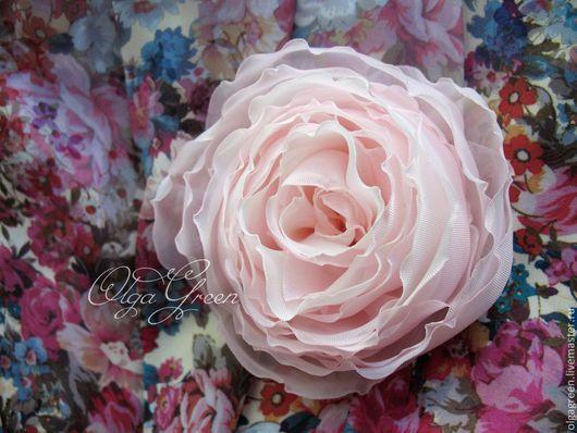 """Броши ручной работы. Ярмарка Мастеров - ручная работа. Купить Брошь-цветок из ткани """"Полураскрывшаяся роза"""". Handmade. Бледно-розовый"""