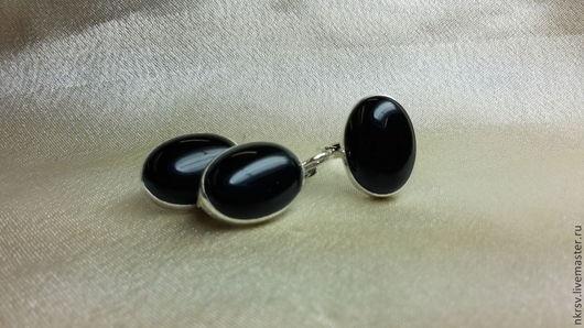 Комплект украшений из натурального черного агата в серебре.