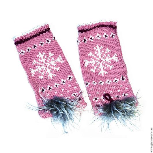 "Комплект ""Розовая звезда"" (01-09) Set ""Pink Star"" (Hat and mittens) (01-09) В комплекте: шапка (длинна до помпона 32 см) 1 шт. и митенки (20 х 10 см) 2 шт. Цена 3500 руб. (45 EUR)"