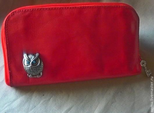 Кошельки и визитницы ручной работы. Ярмарка Мастеров - ручная работа. Купить Красный кожаный кошелек на молнии. Handmade. Ярко-красный