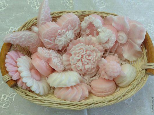 Мыло ручной работы. Ярмарка Мастеров - ручная работа. Купить корзинка мыльных цветов и  сладостей. Handmade. Разноцветный