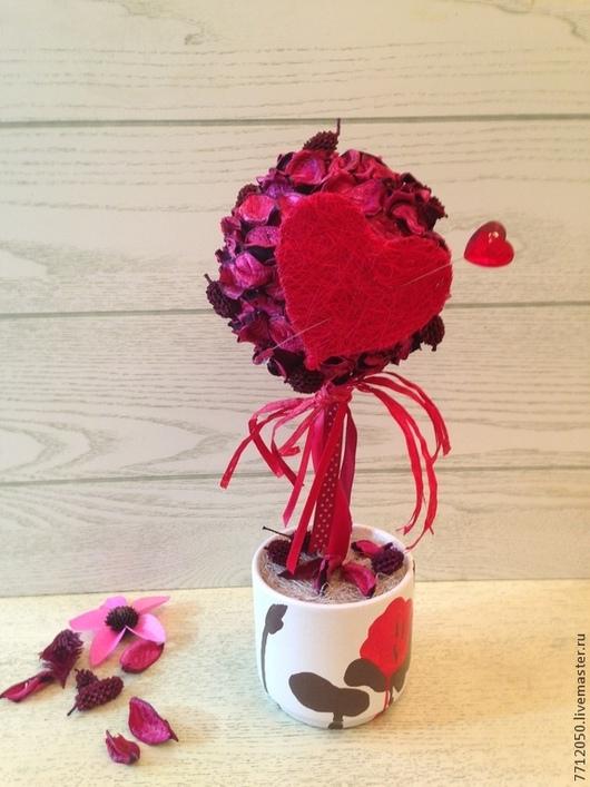 топиарий на день святого Валентина красное сердце подарок ко дню святого Валентина день всех влюбленных оригинальный топиарий оригинальный подарок необычный подарок красный два сердца цветы и флористика