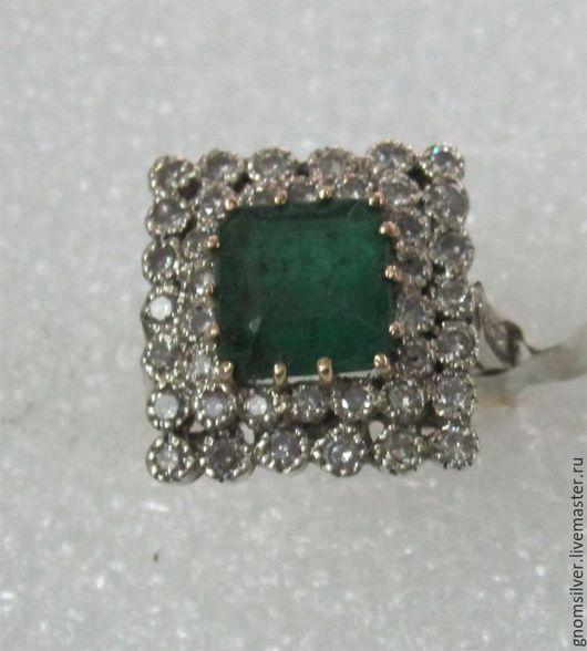 Кольца ручной работы. Ярмарка Мастеров - ручная работа. Купить Уникальное кольцо с изумрудом и бриллиантами. Handmade. Зеленый