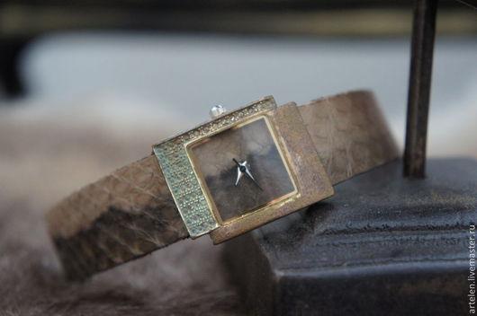 "Часы ручной работы. Ярмарка Мастеров - ручная работа. Купить Часы ""Memory"". Handmade. Часы необычные, часы ручной работы"