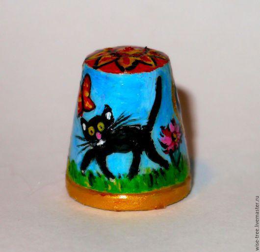 """Миниатюрные модели ручной работы. Ярмарка Мастеров - ручная работа. Купить Наперсток """"Как же без котиков?"""" (дерево, акрил). Handmade."""