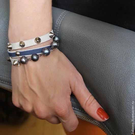 Браслеты ручной работы. Ярмарка Мастеров - ручная работа. Купить Кожаный браслет намотка белый с жемчугом. Handmade. Браслет