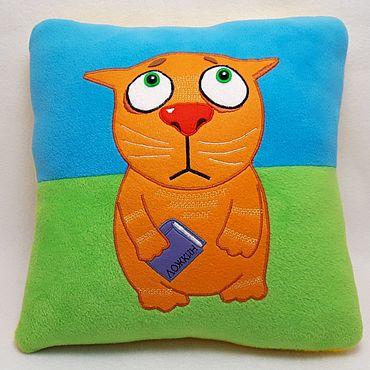 Для дома и интерьера ручной работы. Ярмарка Мастеров - ручная работа Подушка интерьерная рыжий кот с книжкой аппликация из фетра. Handmade.