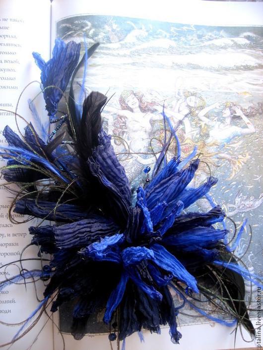 """Заколки ручной работы. Ярмарка Мастеров - ручная работа. Купить украшение в прическу брошь"""" Космический синий"""". Handmade. Брошь цветок"""