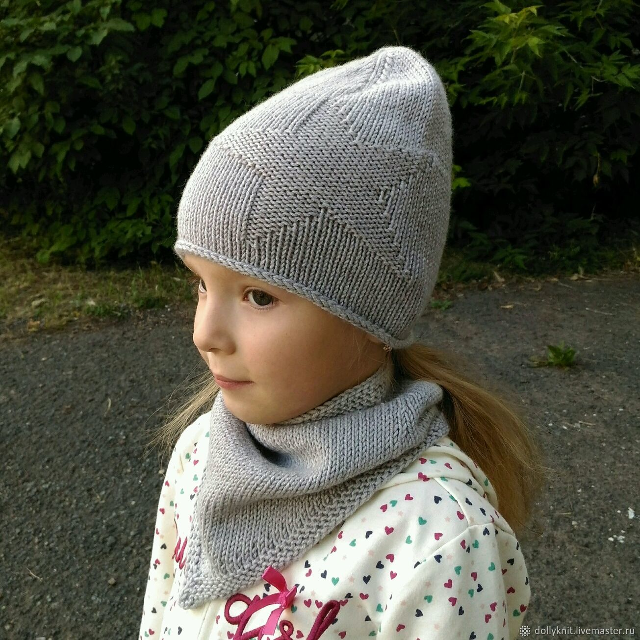 hat with a star cap in stock, star cap cap knitted
