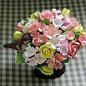 Цветы и флористика ручной работы. Ярмарка Мастеров - ручная работа Композиция с птичкой в вазе на ножке. Handmade.