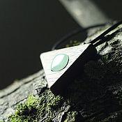 Украшения ручной работы. Ярмарка Мастеров - ручная работа Деревянный кулон с камнем. Handmade.