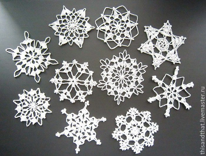Snowflakes Christmas Decorations   Rainforest Islands Ferry