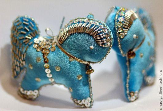 """Новый год 2017 ручной работы. Ярмарка Мастеров - ручная работа. Купить набор елочных игрушек """"лошадки"""". Handmade. Голубой, бархат"""