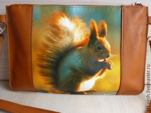 Кожаная сумочка Белочка. Женчкая сумка.