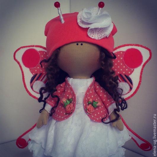 Коллекционные куклы ручной работы. Ярмарка Мастеров - ручная работа. Купить Интерьерная текстильная кукла-бабочка. Handmade. Коралловый