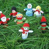 Куклы и игрушки ручной работы. Ярмарка Мастеров - ручная работа Вязаные игрушки Куклы-коротышки (сюжетные и елочные игрушки). Handmade.