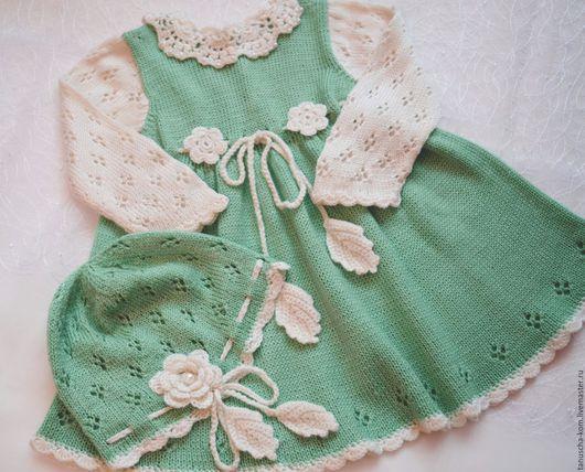 Одежда для девочек, ручной работы. Ярмарка Мастеров - ручная работа. Купить Тёплое платье  и шапочка для девочки спицами цвета мяты. Handmade.