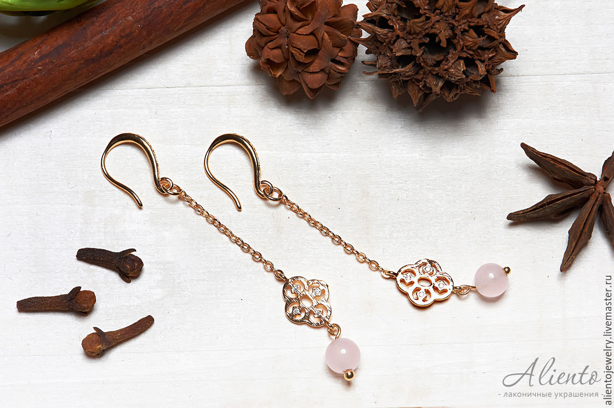 Long earrings in Oriental style