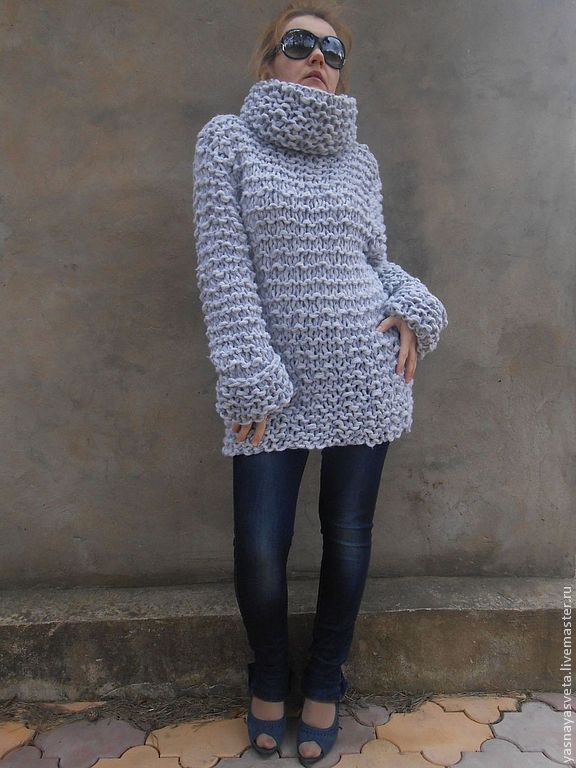 Купить женский свитер с горлом с доставкой