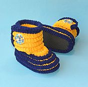 Работы для детей, ручной работы. Ярмарка Мастеров - ручная работа Вязаная обувь Пинетки сапожки плюшевые, пинетки детские. Handmade.