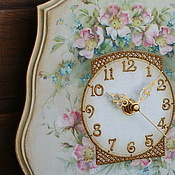 """Для дома и интерьера ручной работы. Ярмарка Мастеров - ручная работа Часы настенные """"Когда цветёт шиповник"""". Handmade."""