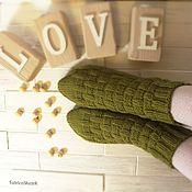 Аксессуары ручной работы. Ярмарка Мастеров - ручная работа Вязаные вручную шерстяные носки оливкового цвета. Handmade.