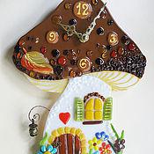"""Для дома и интерьера ручной работы. Ярмарка Мастеров - ручная работа Часы фьюзинг """"Сказочный домик"""". Handmade."""