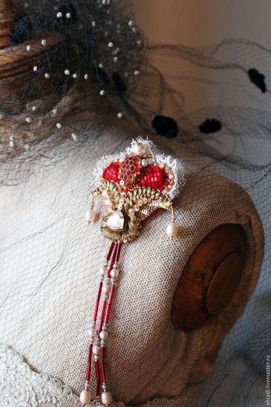 """Броши ручной работы. Ярмарка Мастеров - ручная работа. Купить Брошь-кулон """" Венецианский карнавал"""".. Handmade. Ярко-красный"""