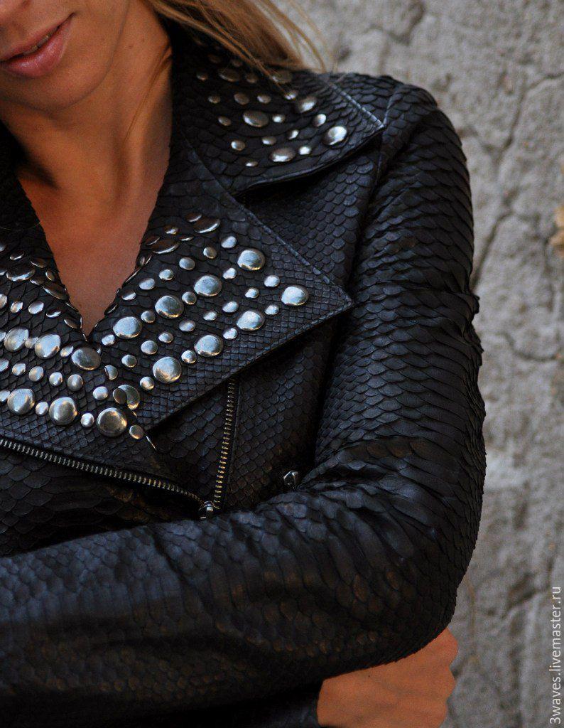 Куртка из кожи питона женская фото