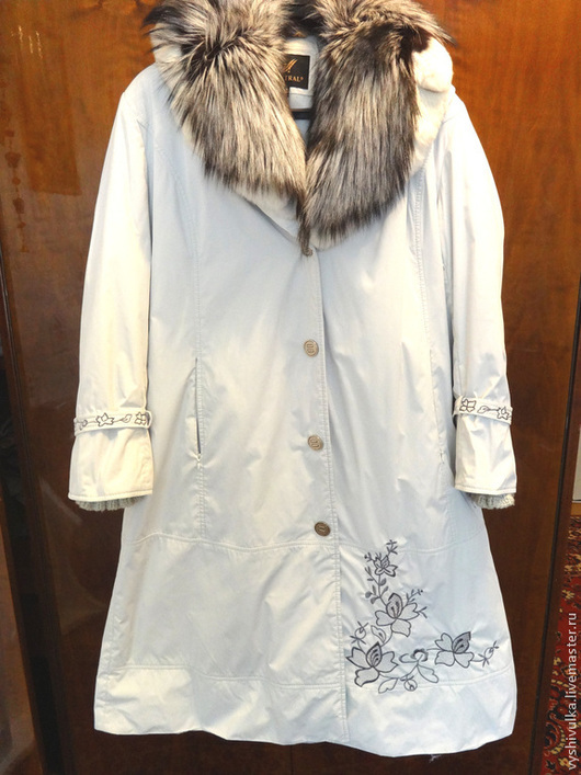Верхняя одежда ручной работы. Ярмарка Мастеров - ручная работа. Купить Вышивка на пальто. Handmade. Цветочный, цветы, термоаппликация, флизелин