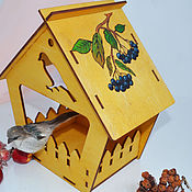Для дома и интерьера handmade. Livemaster - original item Rowan red and black bird feeder. Handmade.