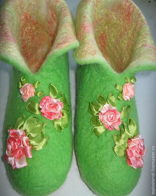 """Обувь ручной работы. Ярмарка Мастеров - ручная работа. Купить Тапочки женские """"Розовые розы"""". Handmade. Тёмно-синий"""