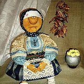 Куклы и игрушки ручной работы. Ярмарка Мастеров - ручная работа На деревню к бабушке (моя самая первая кукла-примитив). Handmade.