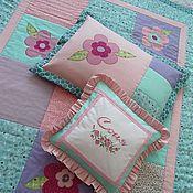"""Для дома и интерьера ручной работы. Ярмарка Мастеров - ручная работа Лоскутное одеяло и подушки """"La Fleur"""" для самой любимой девочки. Handmade."""