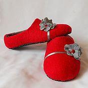"""Обувь ручной работы. Ярмарка Мастеров - ручная работа Домашние тапочки """"очарование серого цветочка"""""""". Handmade."""