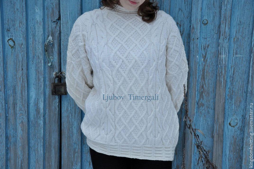 Женский свитер \