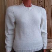 Одежда ручной работы. Ярмарка Мастеров - ручная работа Свитер из собачьей шерсти женский белый вязаный. Handmade.
