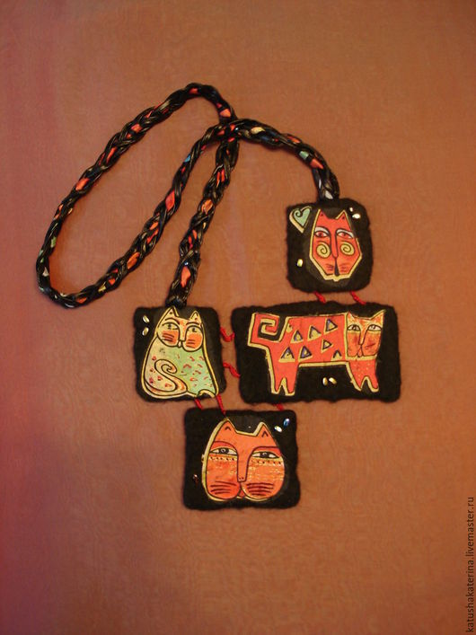 """Колье, бусы ручной работы. Ярмарка Мастеров - ручная работа. Купить Колье валяное """"Африканские кошки"""" войлочное украшение этнический стиль. Handmade."""