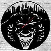 Для дома и интерьера ручной работы. Ярмарка Мастеров - ручная работа Часы настенные из акрилового стекла Джокер против Бэтмэна. Handmade.