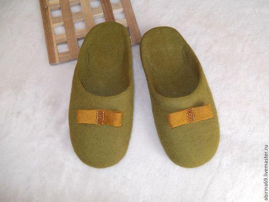 """Обувь ручной работы. Ярмарка Мастеров - ручная работа. Купить Тапочки валяные """"Зелёный янтарь"""". Handmade. Тапочки валяные"""