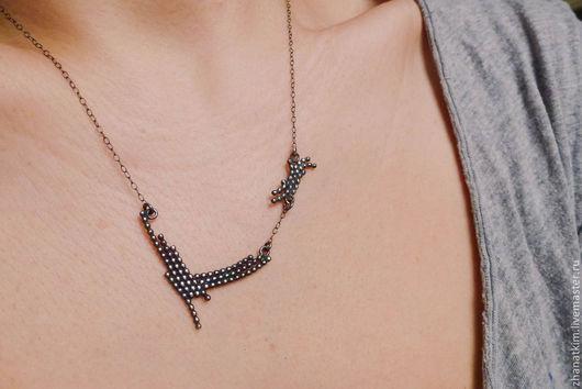 Кулоны, подвески ручной работы. Ярмарка Мастеров - ручная работа. Купить Ожерелье на цепочке из серебра окисленного 925 пробы - деликатное. Handmade.