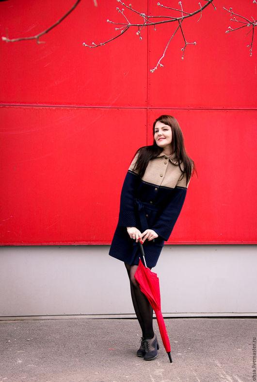 Верхняя одежда ручной работы. Ярмарка Мастеров - ручная работа. Купить Двухцветное осеннее вязаное пальто. Handmade. Однотонный