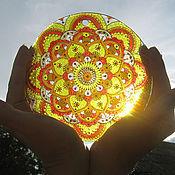 """Картины ручной работы. Ярмарка Мастеров - ручная работа """"Солнышко в ладонях """" Ловец солнца Роспись по стеклу. Handmade."""