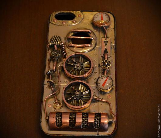 """Персональные подарки ручной работы. Ярмарка Мастеров - ручная работа. Купить Стимпанк чехол """"BIG FAN """" для смартфона iPhone 5, 5S. Handmade."""