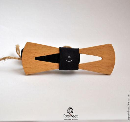 Галстуки, бабочки ручной работы. Ярмарка Мастеров - ручная работа. Купить Деревянная бабочка галстук Моряк, древесина бук / темно синяя с якорем. Handmade.