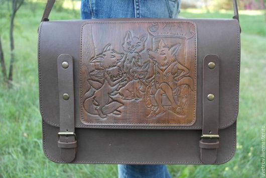Мужские сумки ручной работы. Ярмарка Мастеров - ручная работа. Купить Сумка кожанная. Handmade. Коричневый, большая сумка